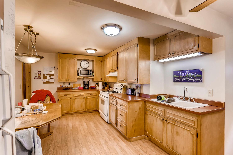 36 18th Ave NE Minneapolis MN-large-008-9-Kitchen-1500x1000-72dpi.jpg