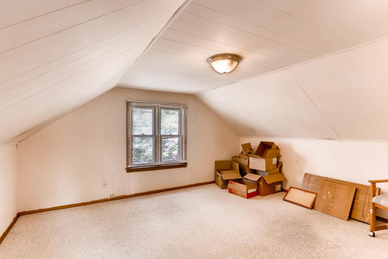 36 18th Ave NE Minneapolis MN-large-018-5-2nd Floor Bedroom-1500x1000-72dpi.jpg