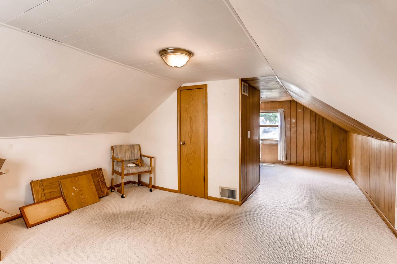 36 18th Ave NE Minneapolis MN-large-019-12-2nd Floor Bedroom-1500x1000-72dpi.jpg