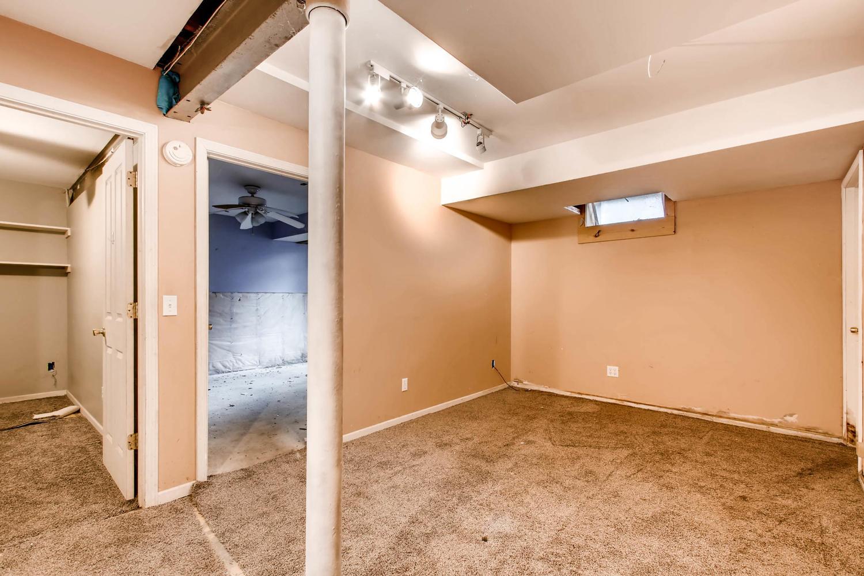 1010 2nd St NE Minneapolis MN-large-021-51-Lower Level Living Room-1500x1000-72dpi.jpg