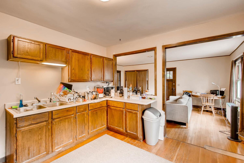 1010 2nd St NE Minneapolis MN-large-006-46-Kitchen-1500x1000-72dpi.jpg