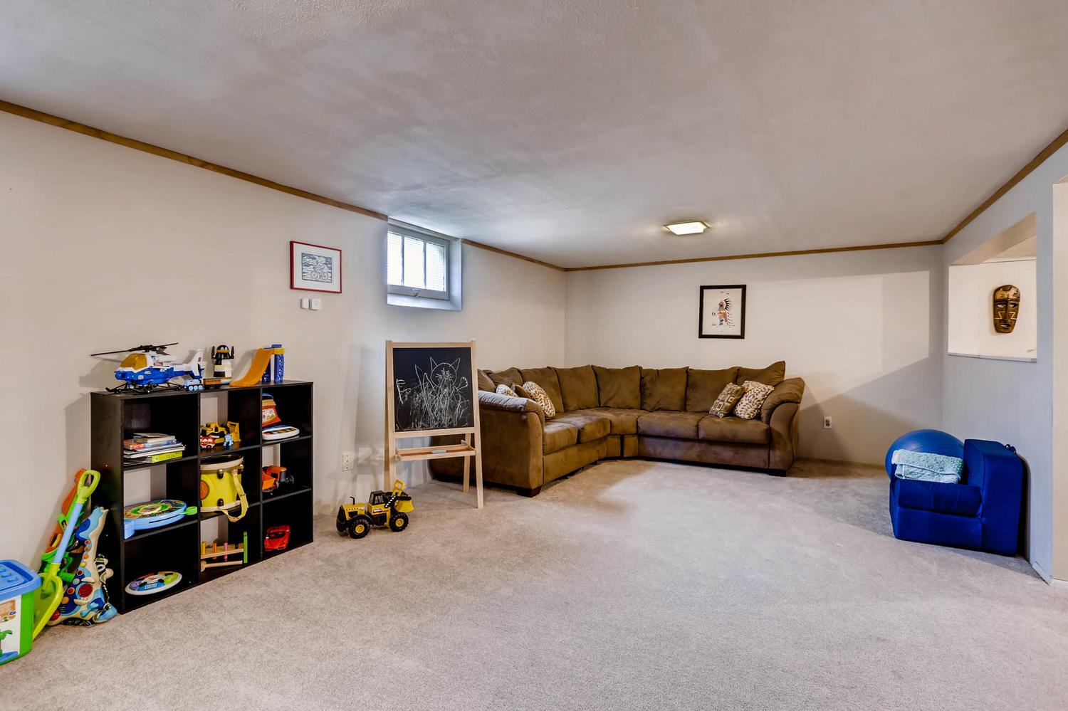 2519 3rd St NE Minneapolis MN-large-020-13-Lower Level Family Room-1500x1000-72dpi.jpg