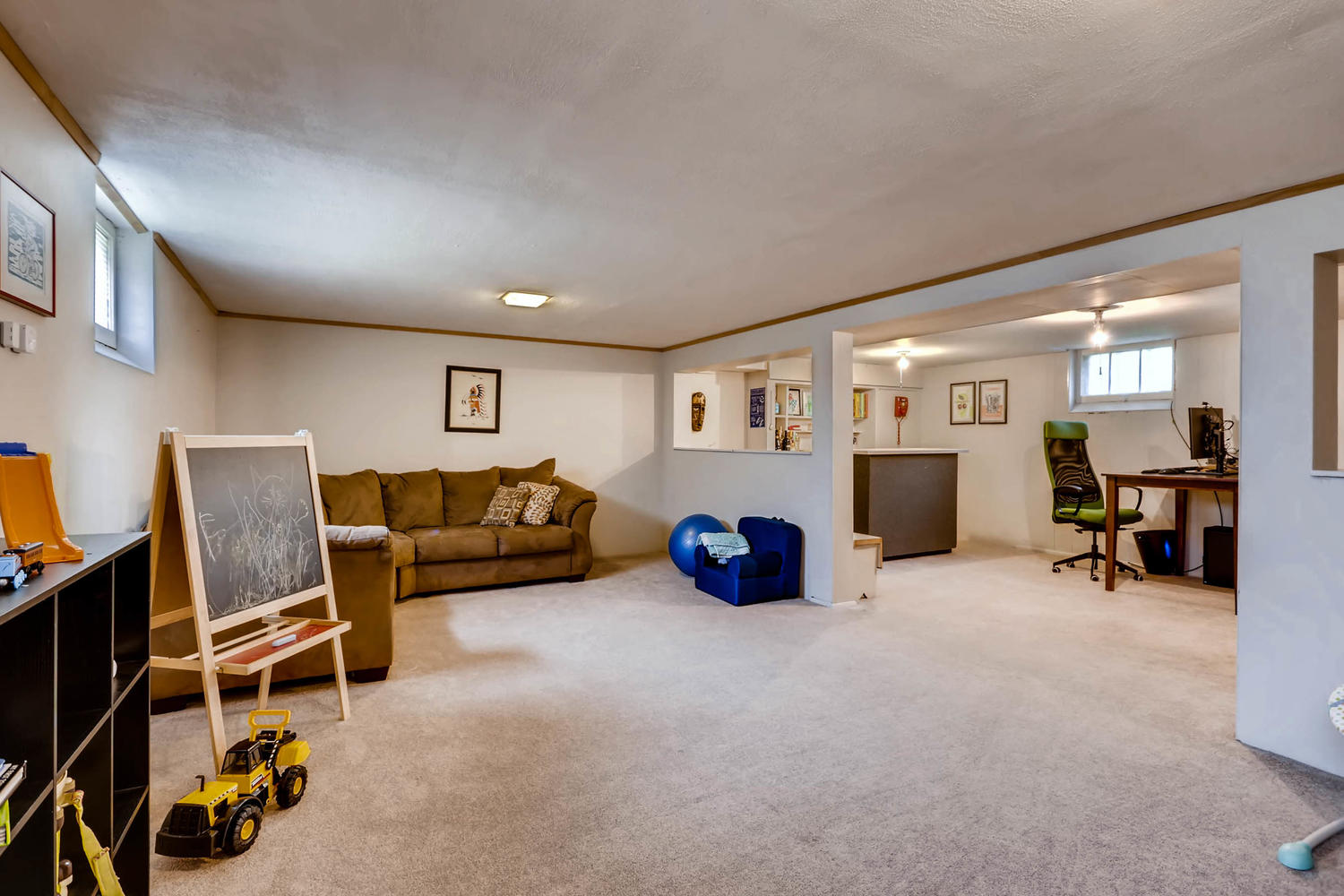 2519 3rd St NE Minneapolis MN-large-021-18-Lower Level Family Room-1500x1000-72dpi.jpg