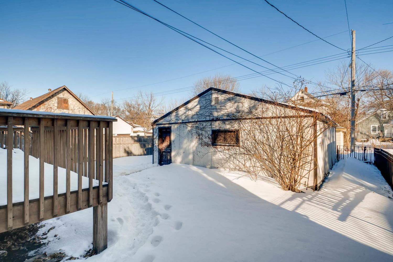 743 Pierce St NE Minneapolis-large-026-18-Back Yard-1500x1000-72dpi.jpg