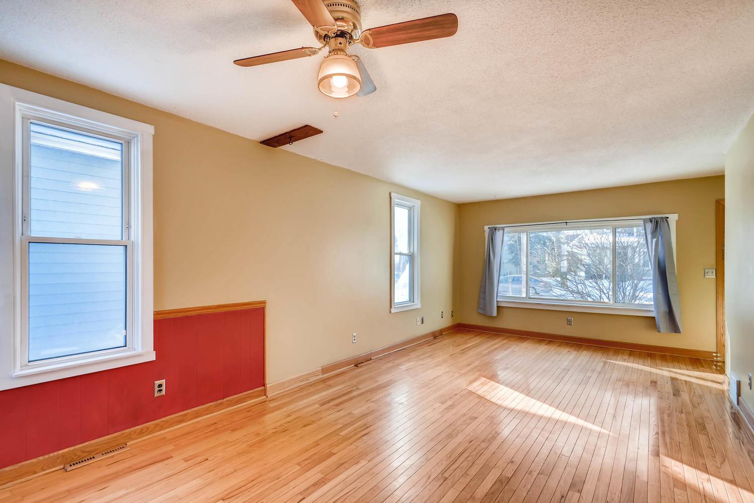 743 Pierce St NE Minneapolis-large-006-14-Living Room-1500x1000-72dpi.jpg
