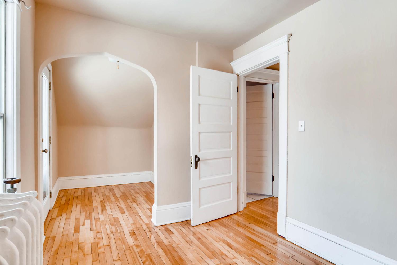 2526 Buchanan St NE-large-021-28-2nd Floor Bedroom-1500x1000-72dpi.jpg