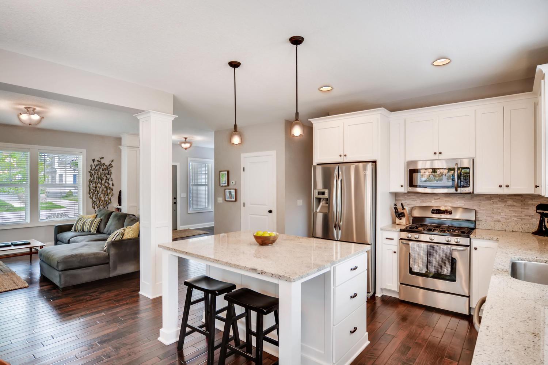 1811 Taylor St NE Minneapolis-large-009-39-Kitchen-1500x999-72dpi.jpg