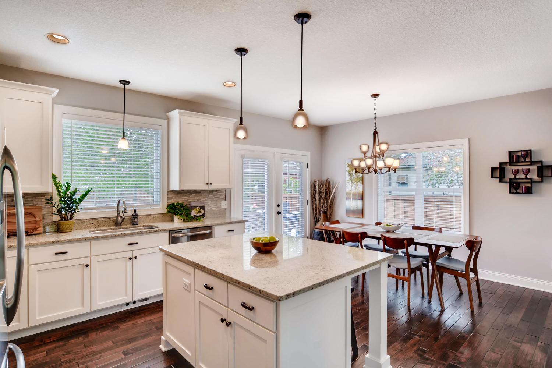 1811 Taylor St NE Minneapolis-large-011-45-Kitchen-1500x1000-72dpi.jpg