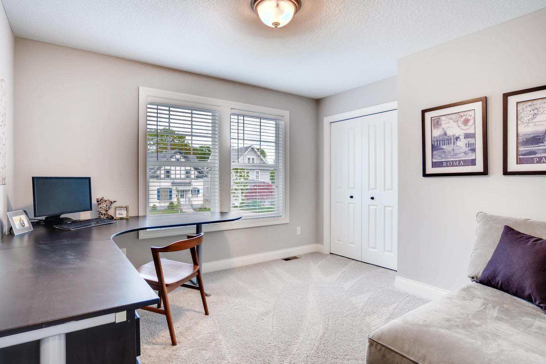 1811 Taylor St NE Minneapolis-large-022-41-2nd Floor Office-1500x1000-72dpi.jpg