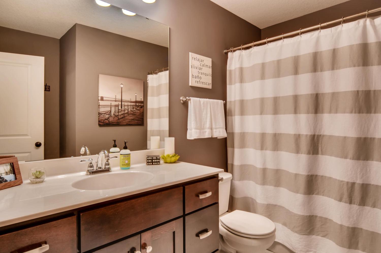 1811 Taylor St NE Minneapolis-large-021-31-2nd Floor Bathroom-1500x998-72dpi.jpg