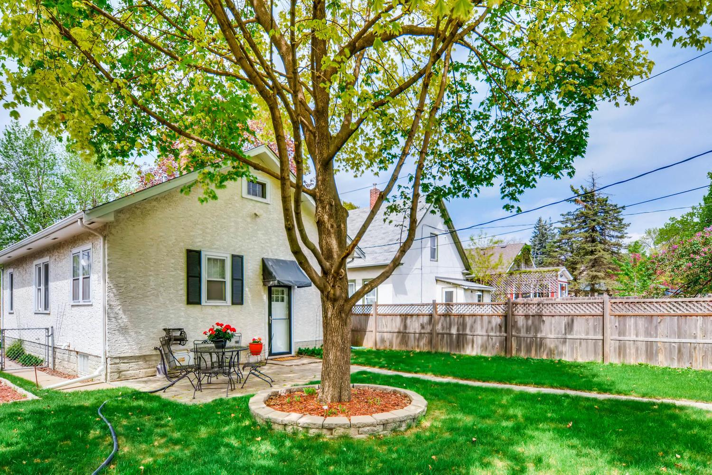 3147 Arthur St NE Minneapolis-large-023-24-Backyard-1500x1000-72dpi.jpg