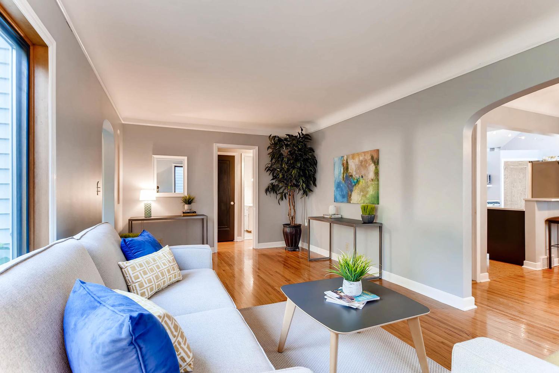 3139 Cleveland St NE-large-004-12-Living Room-1499x1000-72dpi.jpg