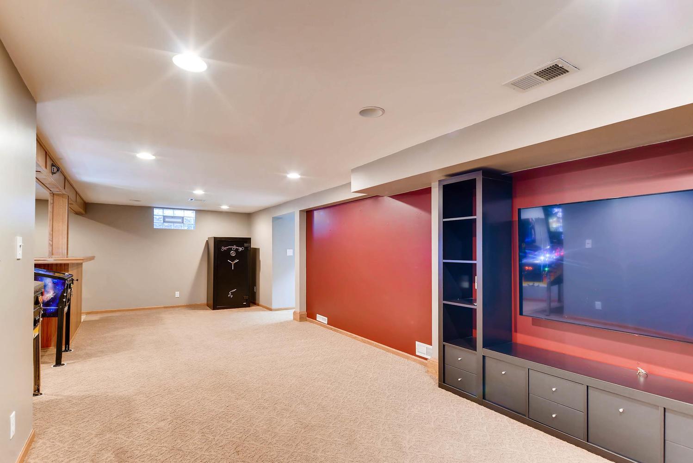 3139 Cleveland St NE-large-023-24-Lower Level Family Room-1499x1000-72dpi.jpg