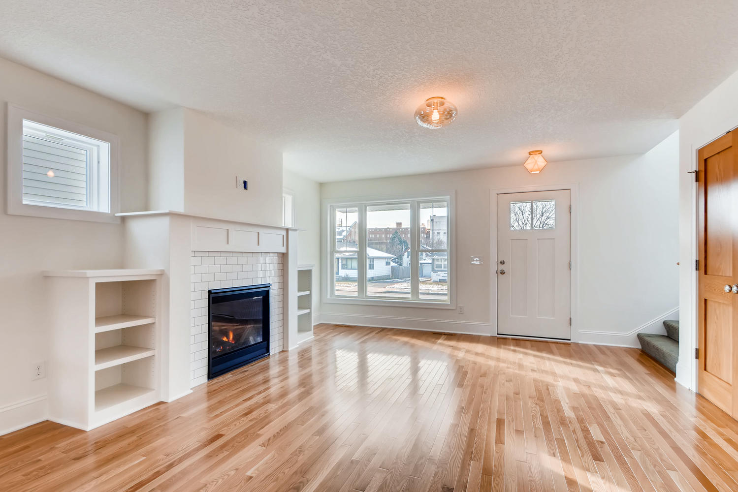 2949 Grand St NE Minneapolis-large-006-8-Living Room-1499x1000-72dpi.jpg