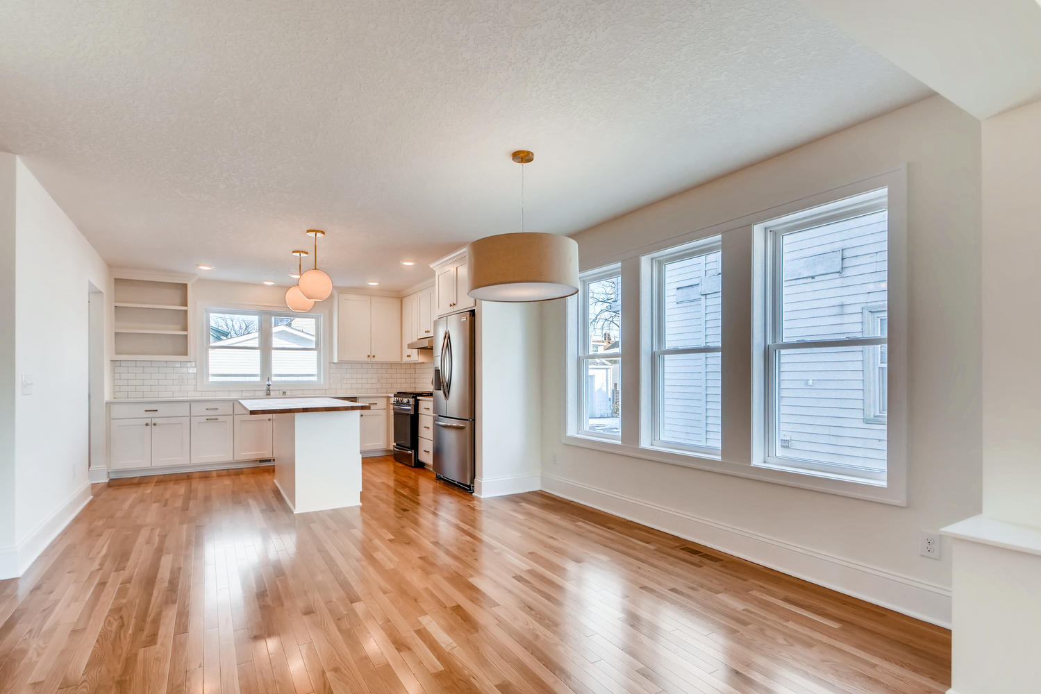 2949 Grand St NE Minneapolis-large-007-3-Dining Room-1499x1000-72dpi.jpg