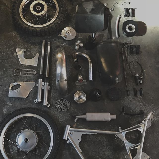 T minus 24 hours till the @welcomeeastmotoshow to put this Bultaco together.