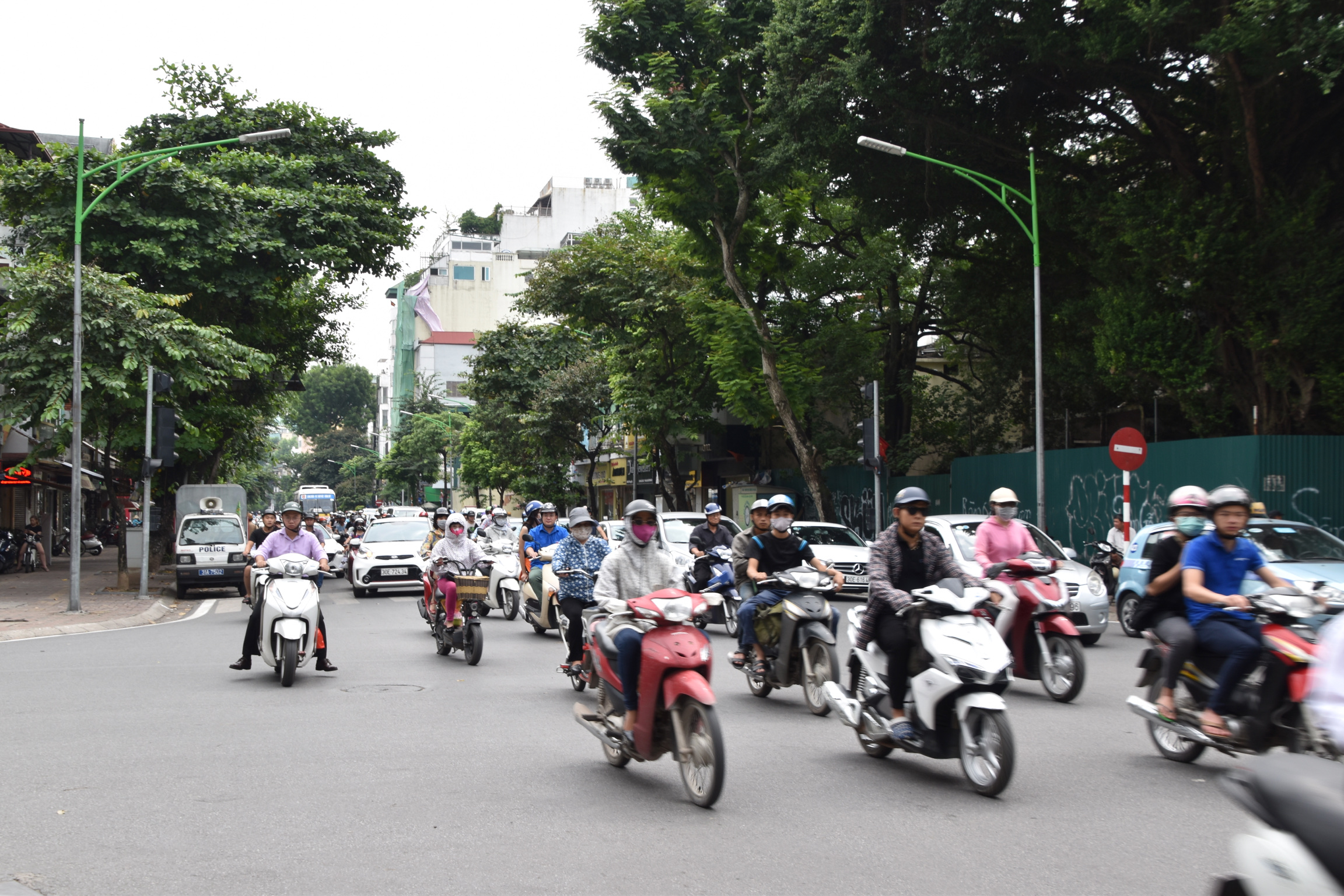 the crazy motorbike scene in Hanoi