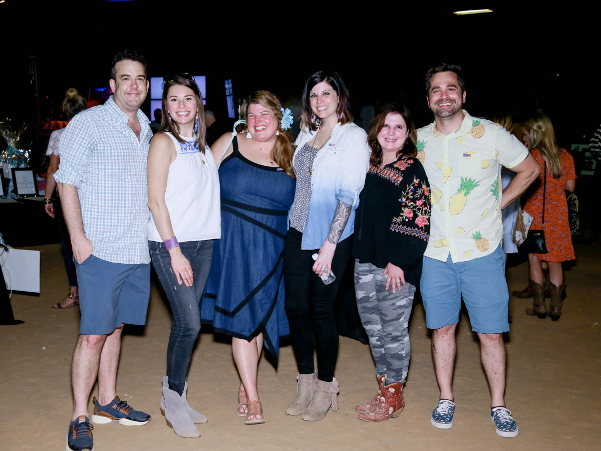 3 Brent Ellis, Melissa Ellis, Anna Curnes, Annie Griffeth, Christi Meril, Teal Griffeth Photo by Bob Manzano.jpg