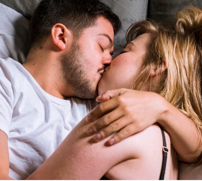 "If You And Your Partner Have These 7 Habits Before Bed, They're ""The One"""