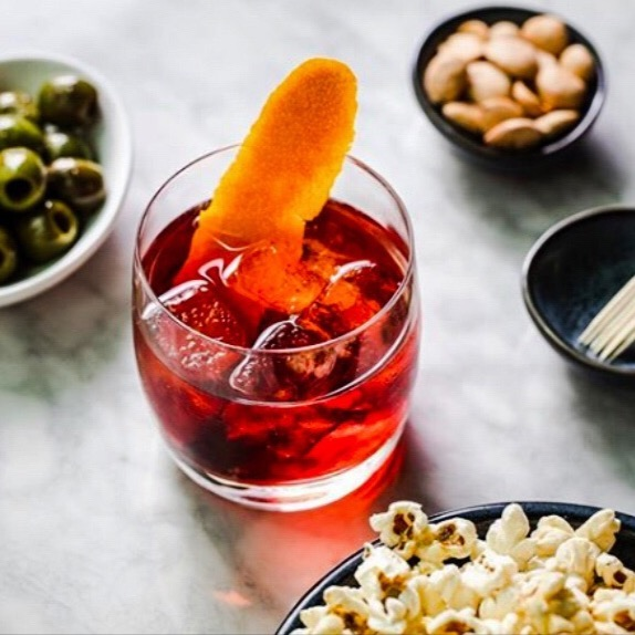 """#ThirstyThursday Looking to grab drinks after work with a sexy date? Check out @cedricsattheshed """"A new bar from @dhmeyer , the bar serves up inventive cocktails & bites."""" @ushgnyc #platinumpoire . . .  #Thursday #Wine #Love #Happiness #Couple #Boyfriend #Relationships #Kiss #Heart #Power #Forever #Iloveyou #BestMatchmaker #LoveEverywhere #LoveCoaching #Dating #cedrics #hudsonyards #datenight #dannymeyer #ushgnyc"""