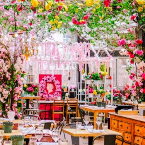 """#SexySaturday Looking for a fun summer brunch date idea? Check out Serra On The Roof located at @eatalyflatiron """"Serra changes with the seasons, always offering a fun, themed atmosphere and a rustic menu reflective of the Italian countryside."""" #PlatinumPoire . . . #Morning #instago #Love #Happiness #Couple #Boyfriend #Relationships #Kiss #Heart #Power #Forever #Iloveyou #BestMatchmaker #LoveEverywhere #LoveCoaching #Dating #NYCPowercouples"""