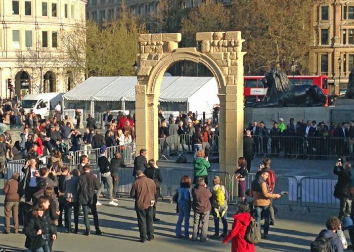 palmyra-arch-syria-replica-trafalgar-square-ban.jpg
