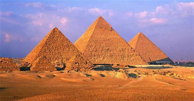 Pyramid of Gizeh.jpg