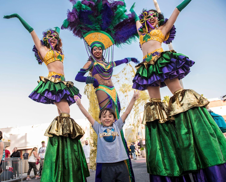 Universal-Orlandos-Mardi-Gras-Parade-14_preview.jpeg