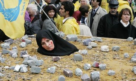 An-Iranian-woman-symbolic-006.jpg