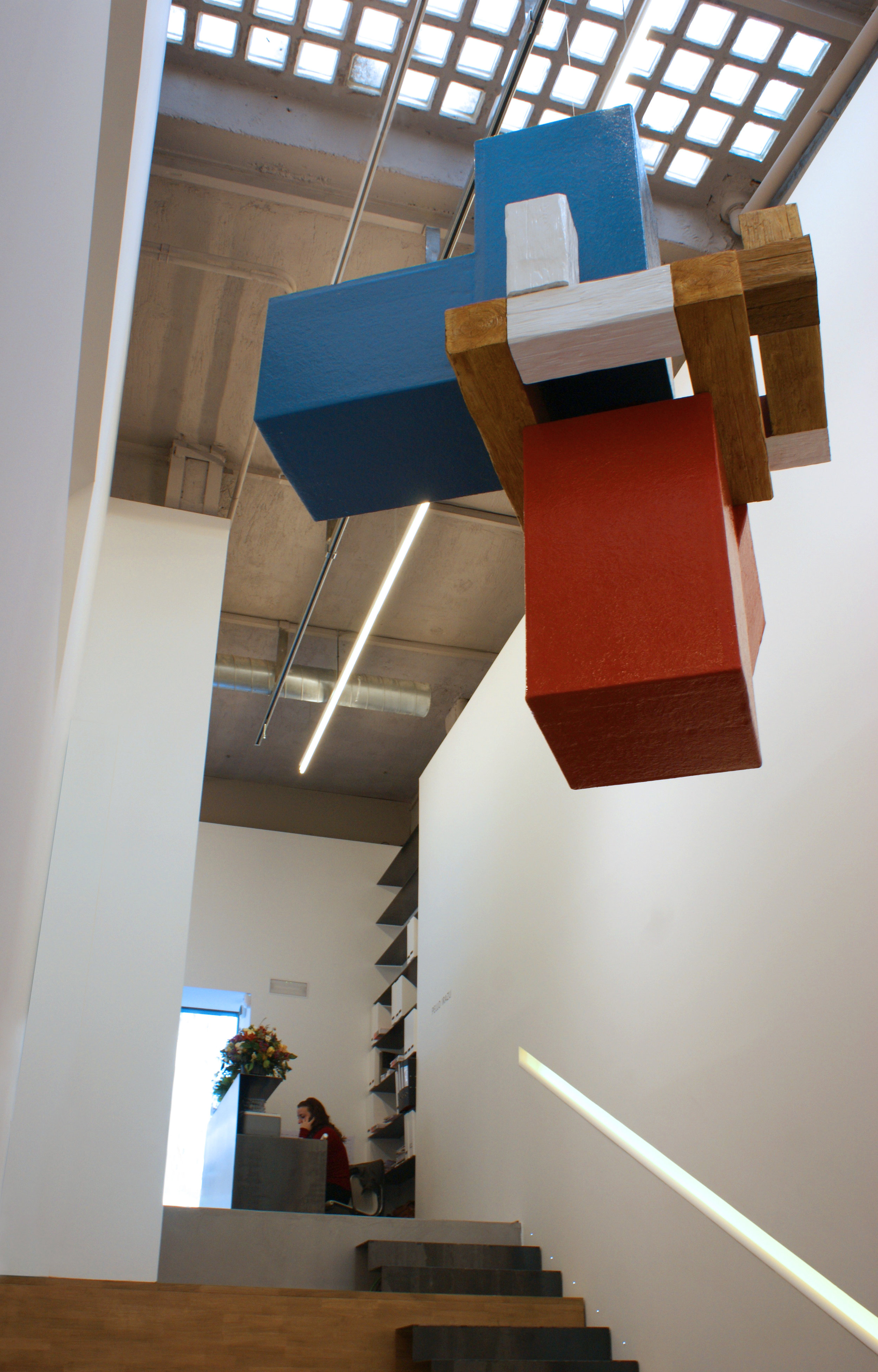 Pello Irazu   Visitor (Gabriel) [ Visitante (Gabriel) ], 2013 Structure made of cardboard, wood, polyurethane, fiberglass, and paint 188 x 139 x 146 cm Collection of the artist © VEGAP, Bilbao, 2017