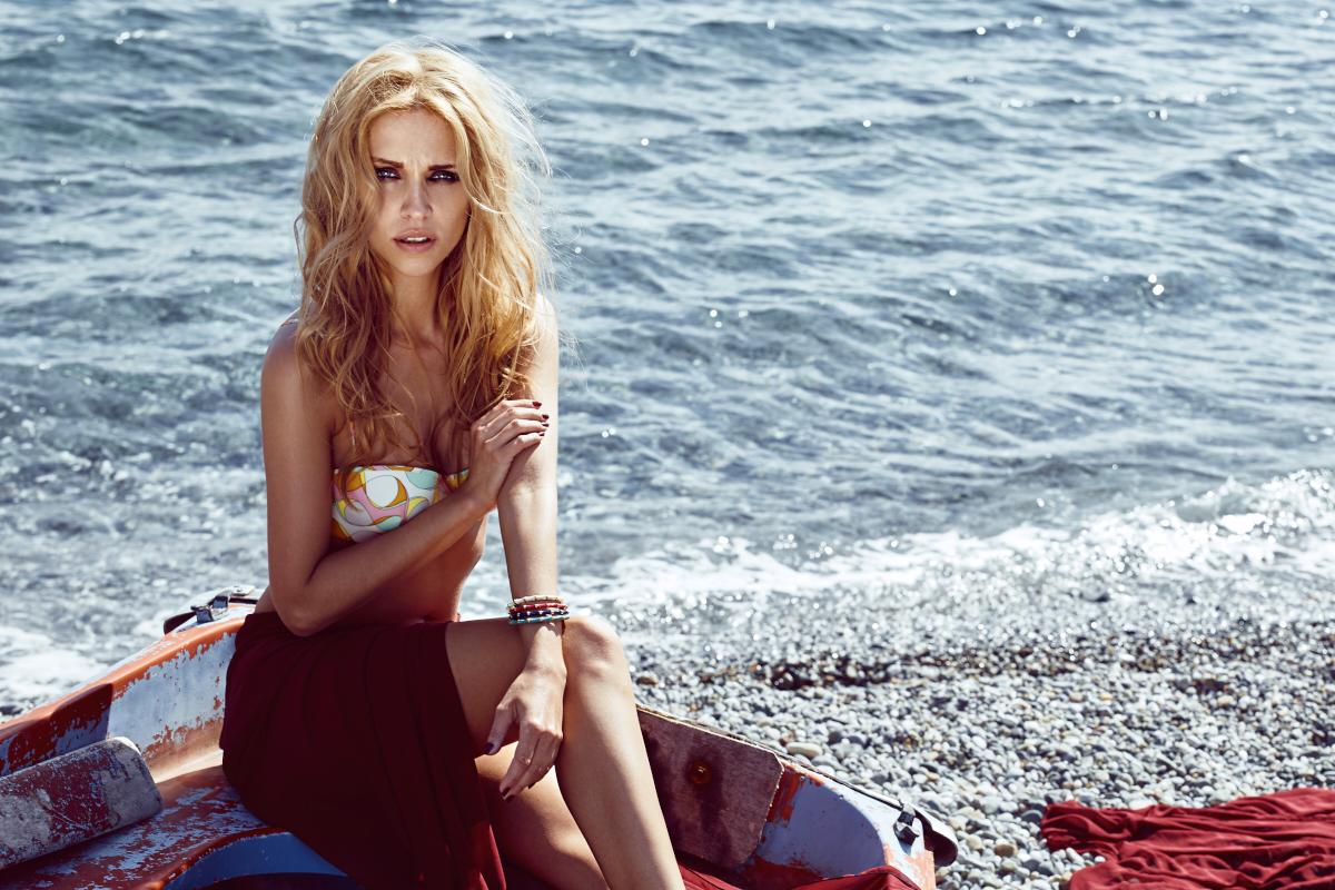 Bikini Editorial Modo Magazine