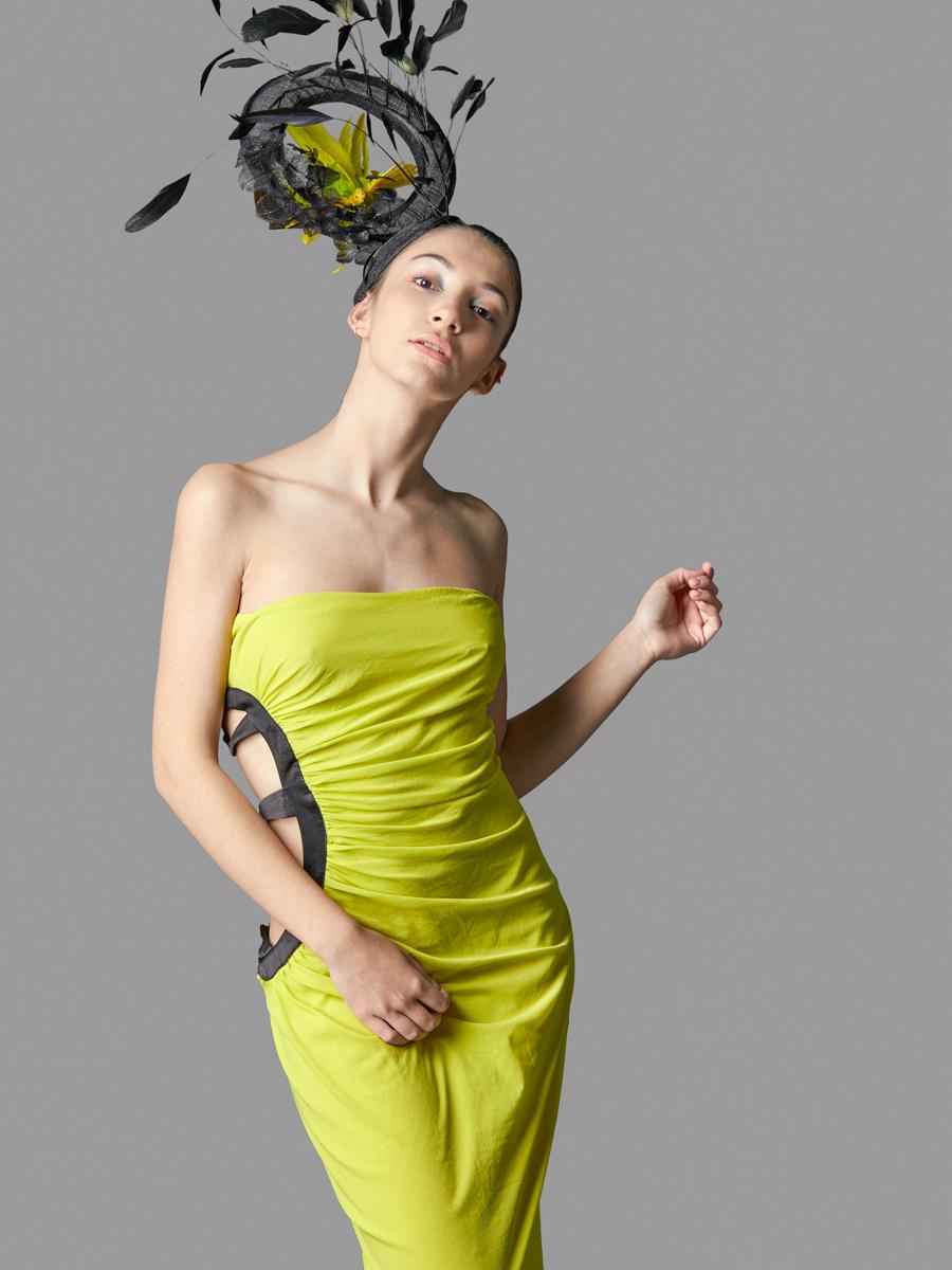 Vestido………………………………………..The Closet  http://bit.ly/2qao4T8  Tocado………………………………………..Piqueres & Rooy  http://bit.ly/2p7AQ6m