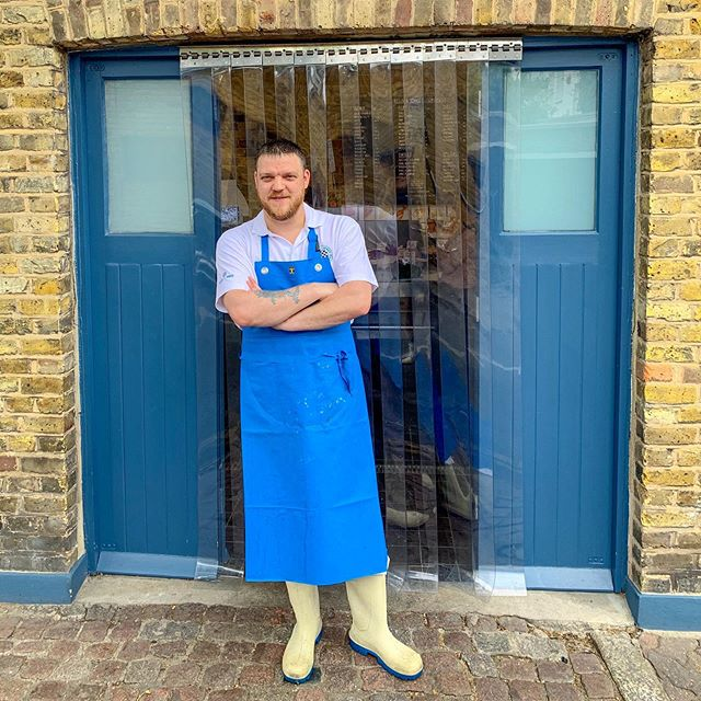 Kicking off our supplier series with our fantastic fishmongers @ellisandjones they are committed to the highest quality, with Simon the manager also bringing over a decade of experience 🐠