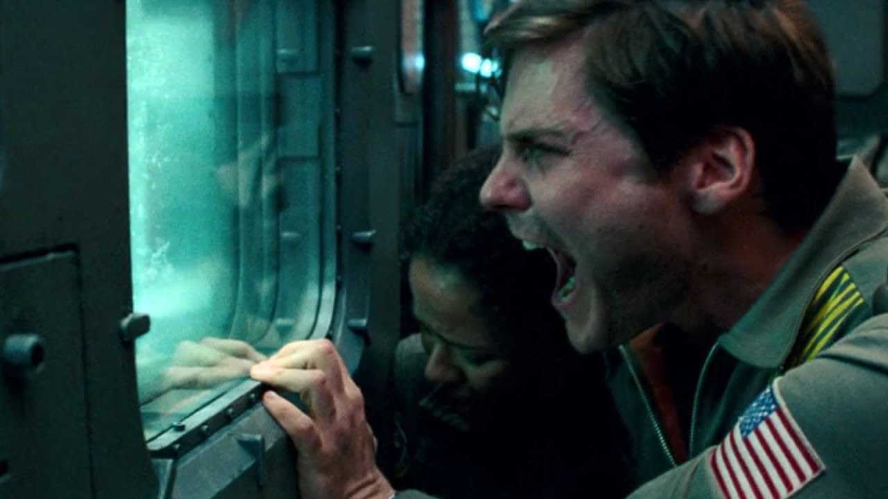 Gugu Mbatha-Raw and Daniel Brühl in  The Cloverfield Paradox