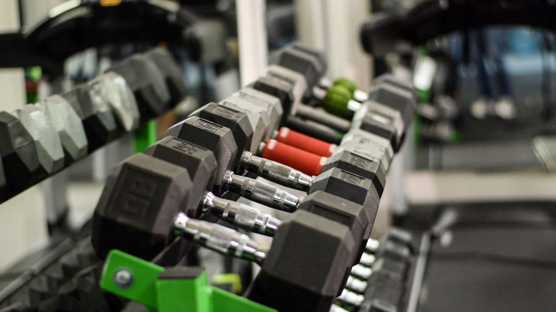 6 dumbells on rack.jpg