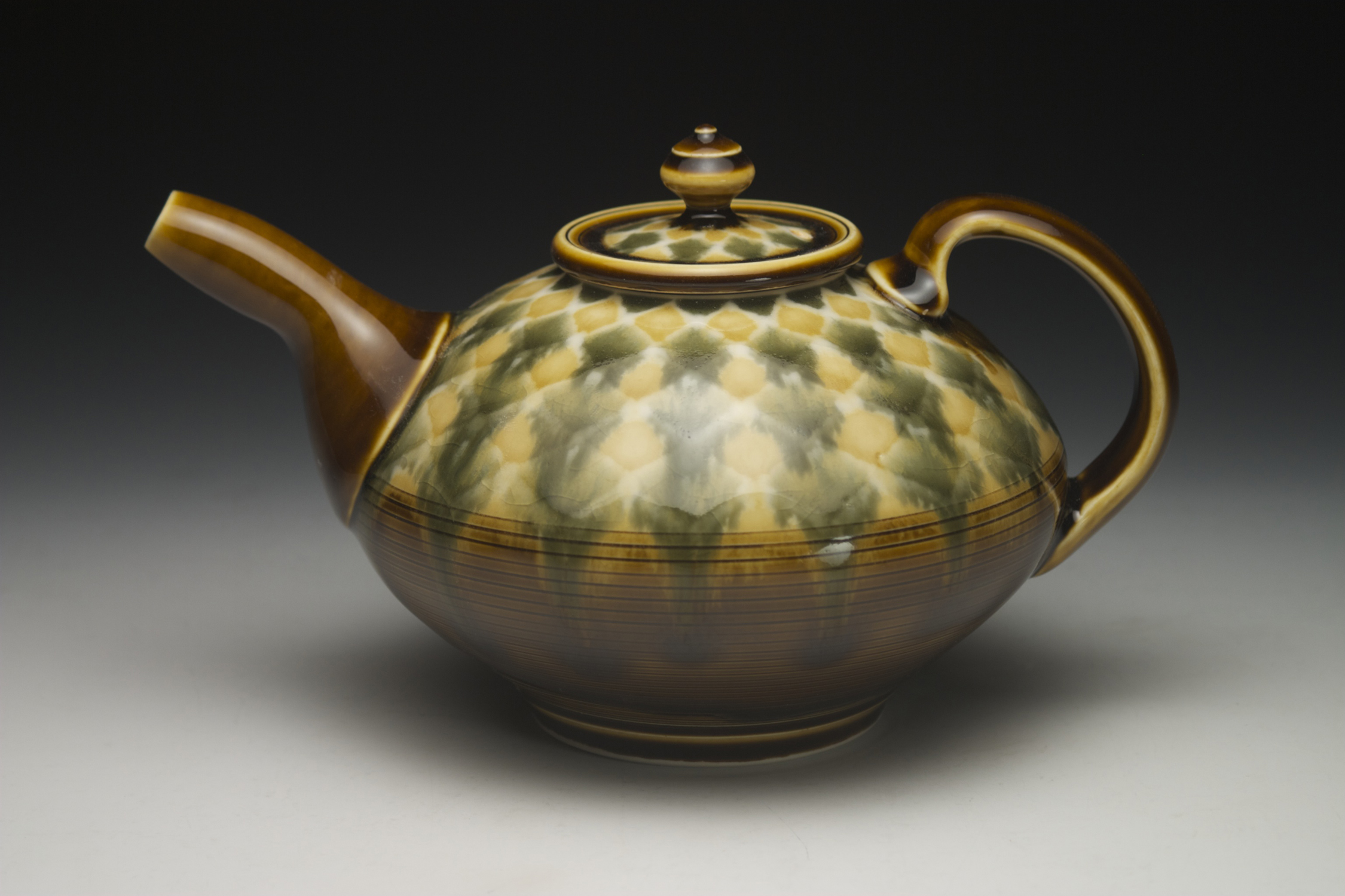 Pattern Teapot with Incised lines.jpg