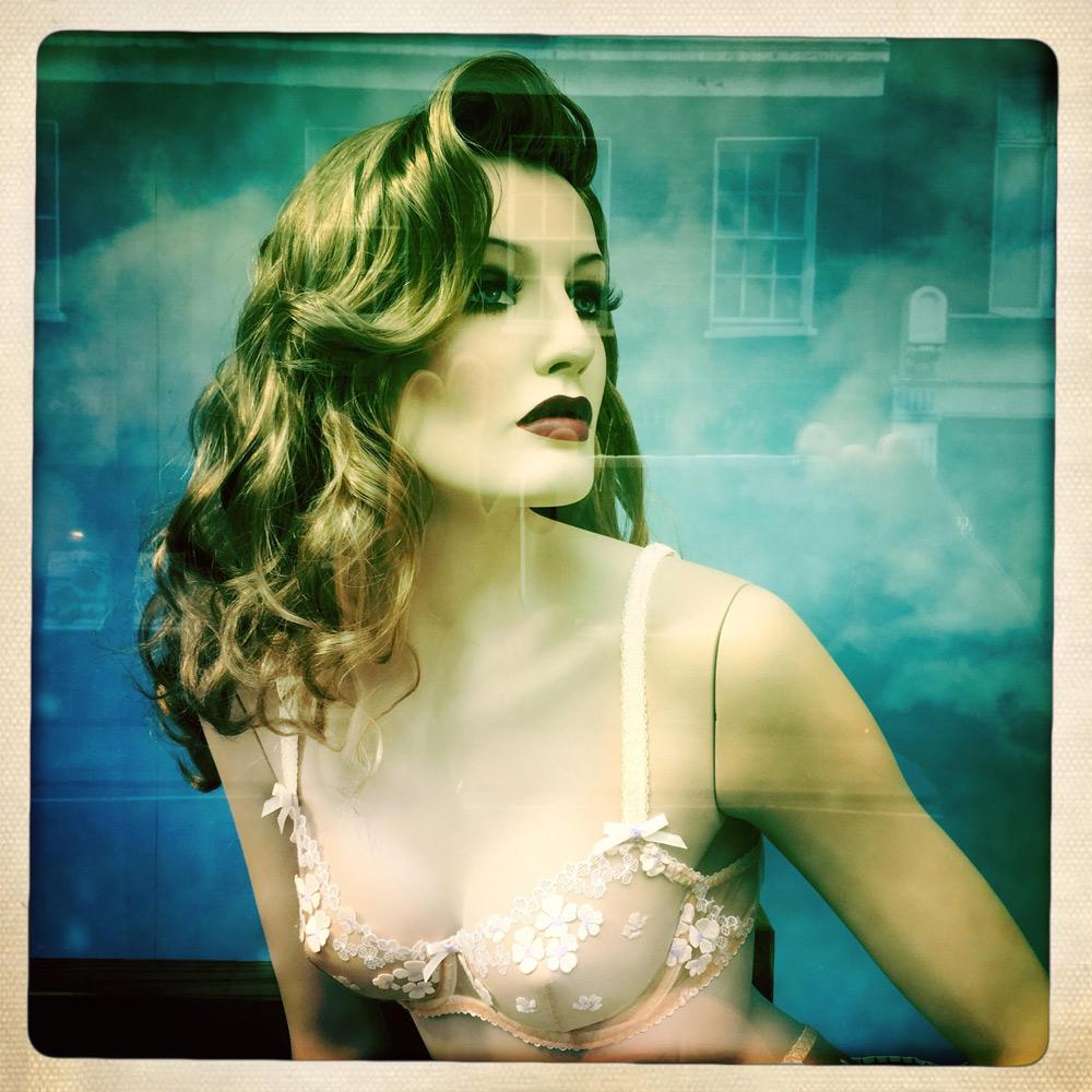 jules-oloughlin_still-life_mannequin-05.jpg