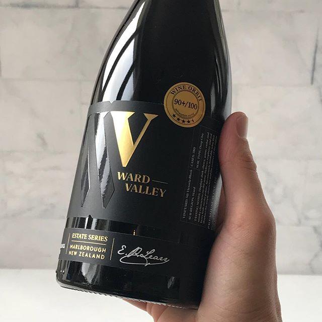 🍷👌 . . #nzwine #wardvalleyestate #wardvalley #wine #pinotnoir #marlborough #newzealand #nz #sommelier #vineyard #winery #winebrand #instawine #winelabel #winegram