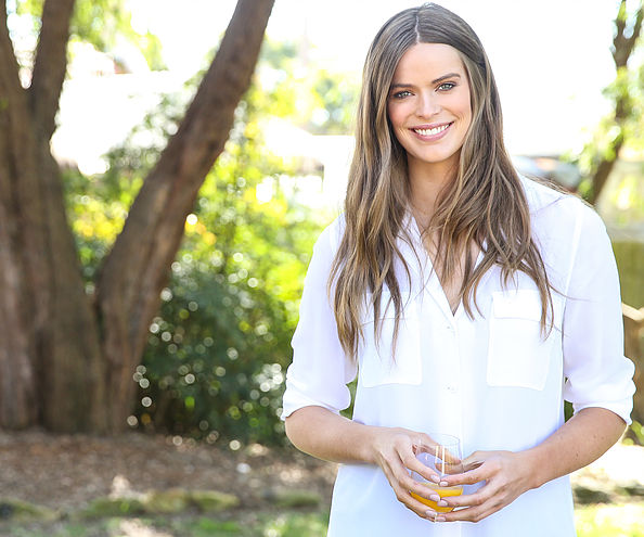 I think Aussie model Robyn Lawley (pictured) always looks radiant and healthy. #girlcrush