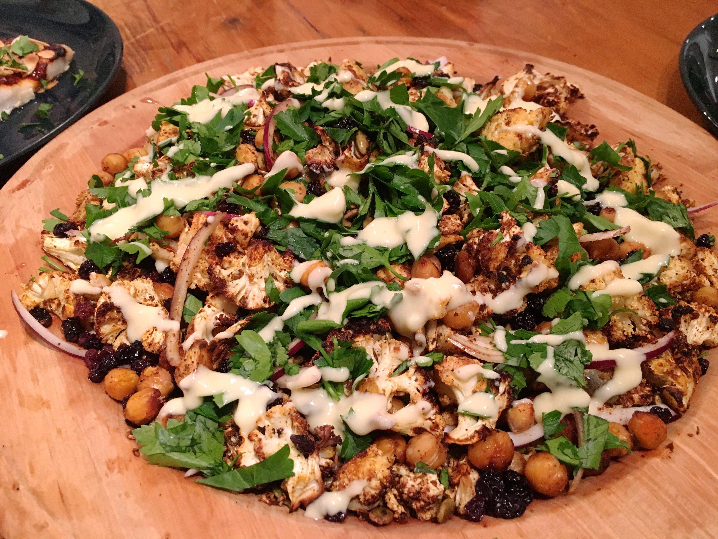 Morrocaan Cauliflower Chickpea Salad Recipe