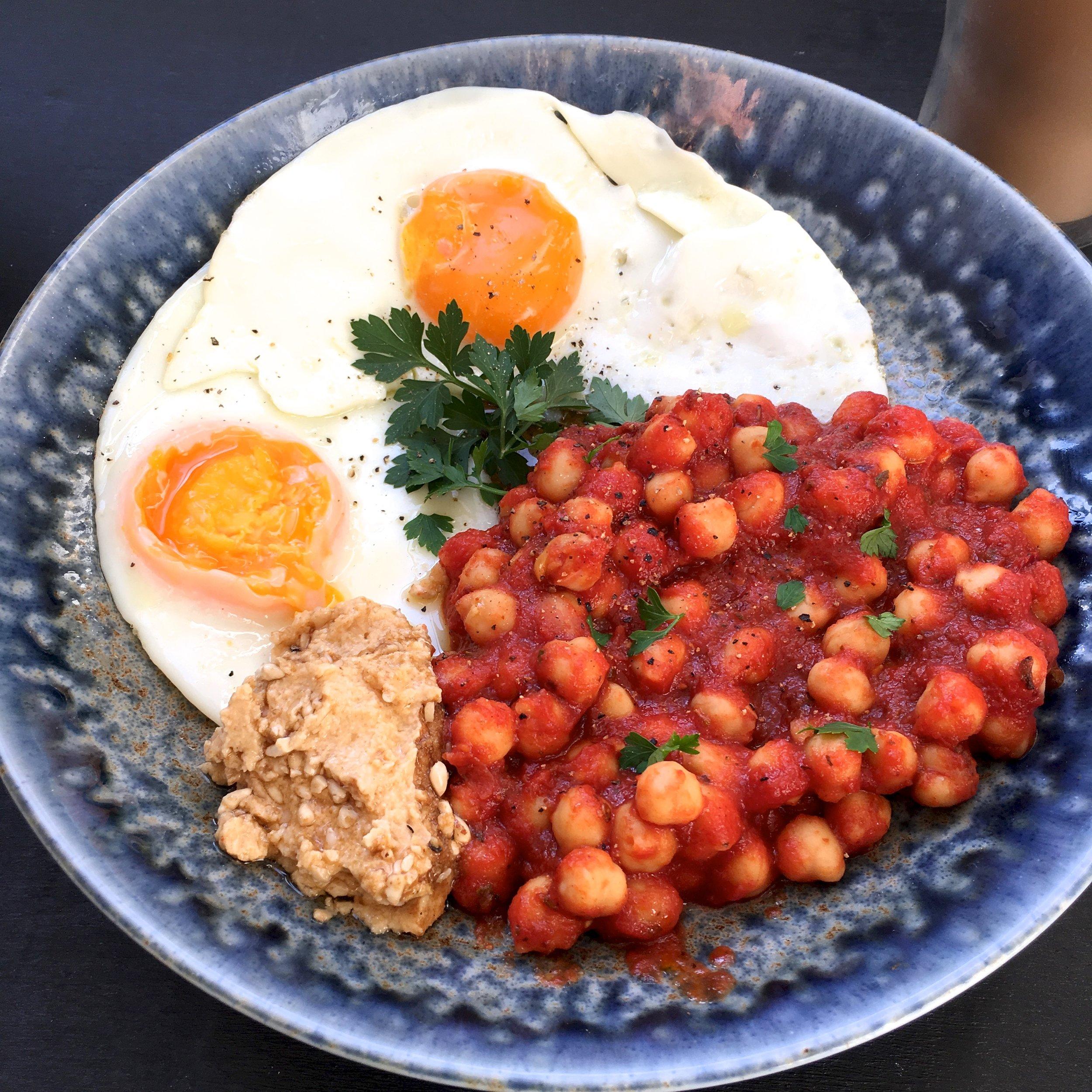 Healthy breakfast Recipe - chickpeas tomatoes