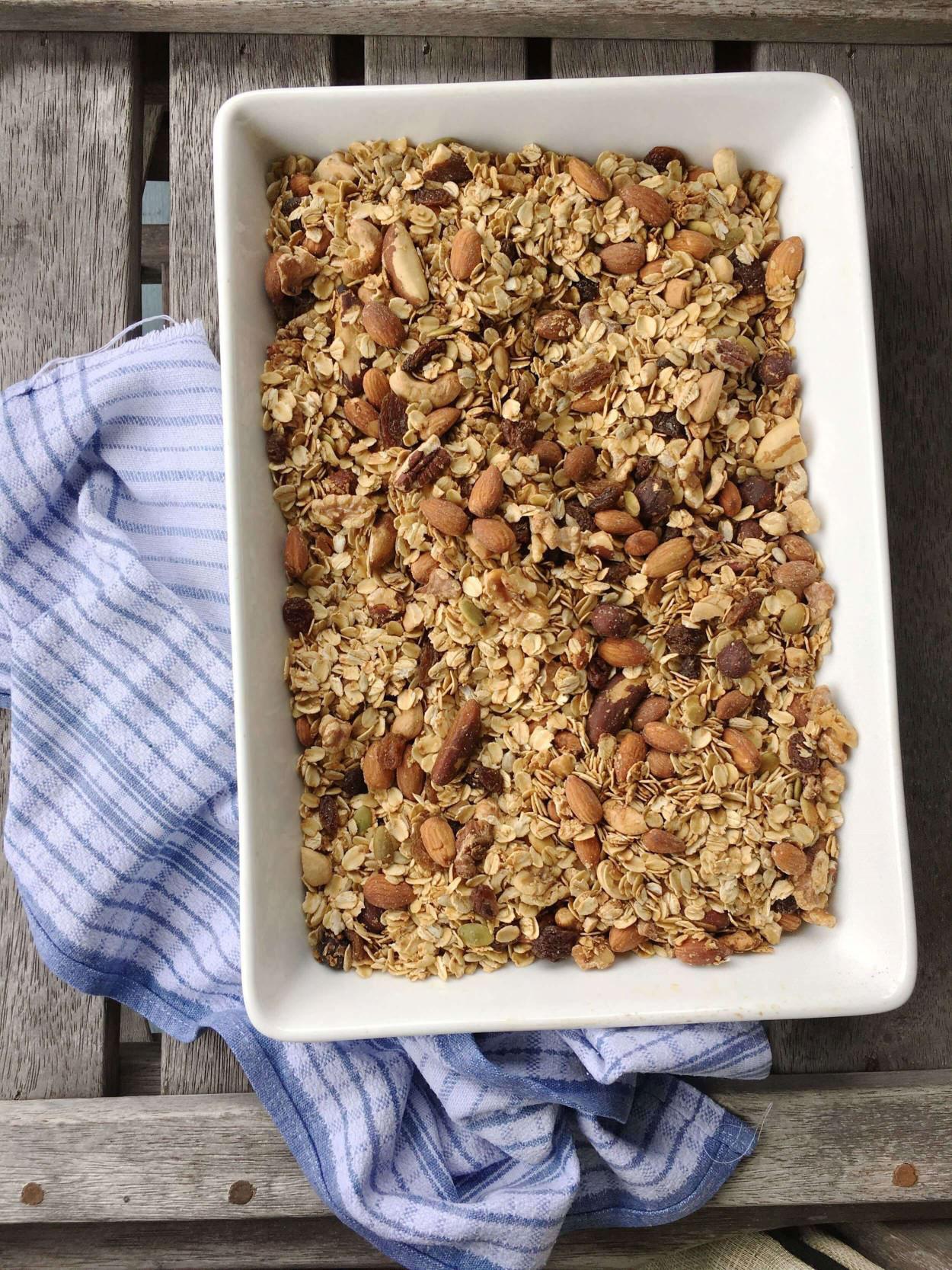homemade+healthy+granola+Muesli+recipe_(2).jpg