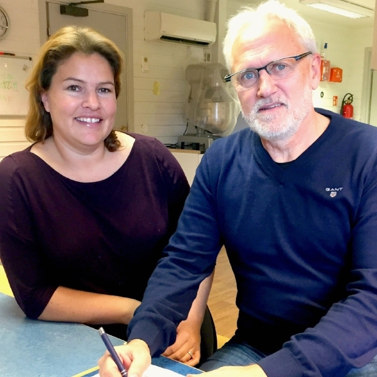 FamWeeks første kontrakt signeres - Les mer....