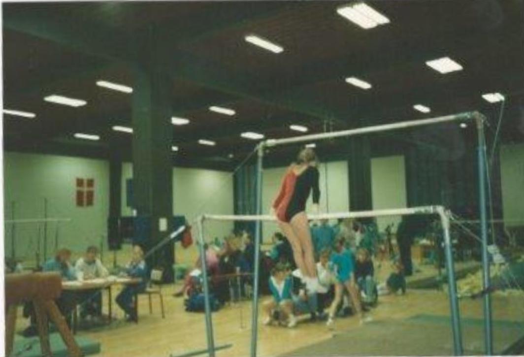 #tb til 90'erne - konkurrence i den forskudte barre! Havde vist lige lavet et kip her.