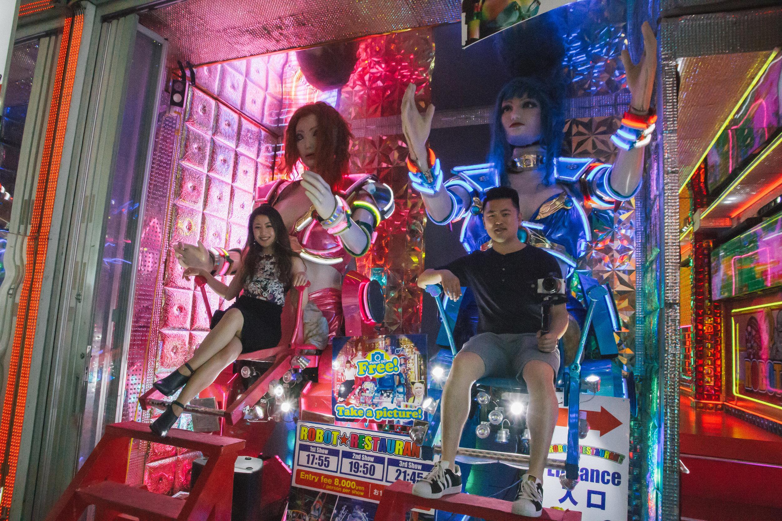 robot restaurant shinjuku kabukicho