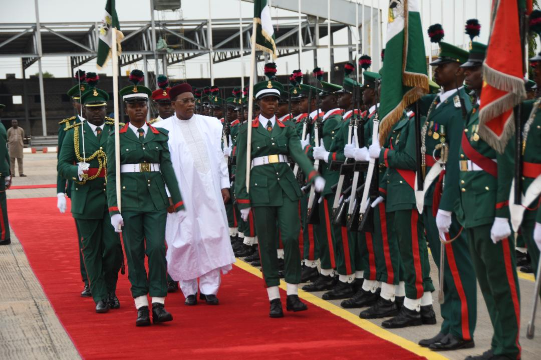 Visite d'amitié et de travail du Président de la République au Nigeria 1.jpg