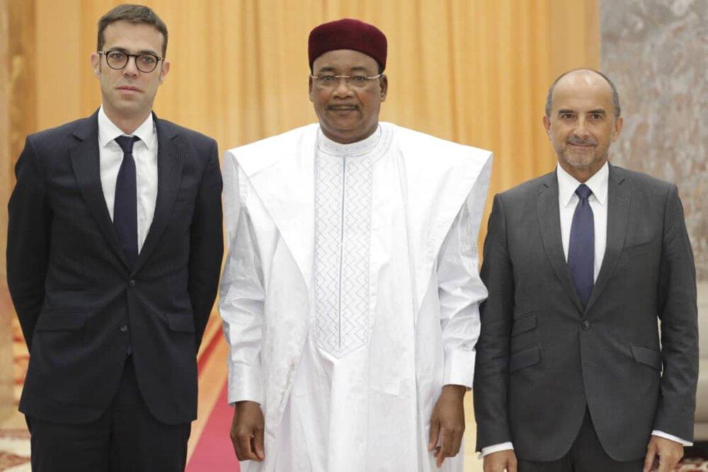 PR et conseiller Afrique de l'Elysée vrai.jpg
