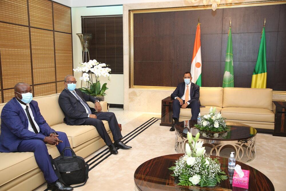 Le Président de la République, Chef de l'Etat, SEM Mohamed Bazoum, est arrivé jeudi en début de soirée, 15 avril 2021, à Brazzaville, au Congo, où il effectue une visite de travail et d'amitié.