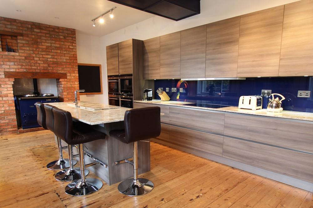 pop-art-white-and-grey-marble-kitchen.jpg
