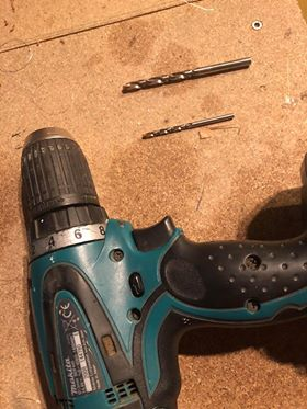 Utstyr: - -Drill-2mm eller 3,3mm bor-4mm bor-Dødmannsgrep (kan kjøpes på Biltema.)